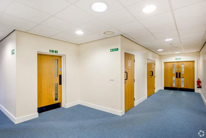 Hallway - Victoria House, Widnes - Office for rent - 1,173 sq ft