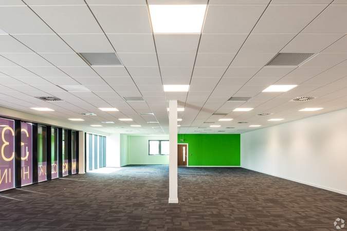 First floor Office - Gatwick 33, Crawley - Industrial unit for rent - 33,294 to 33,258 sq ft