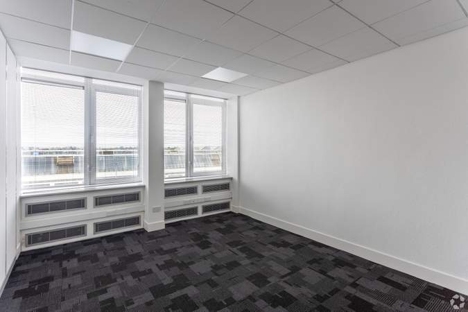 Small Office - Merlin Business Centre, Hillington Park Estate, Glasgow - Office for rent - 174 to 2,196 sq ft