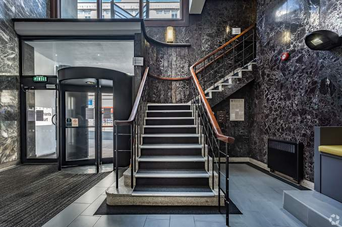 Main Reception Staircase - Merchants Court, Liverpool - Serviced office for rent - 50 to 7,843 sq ft