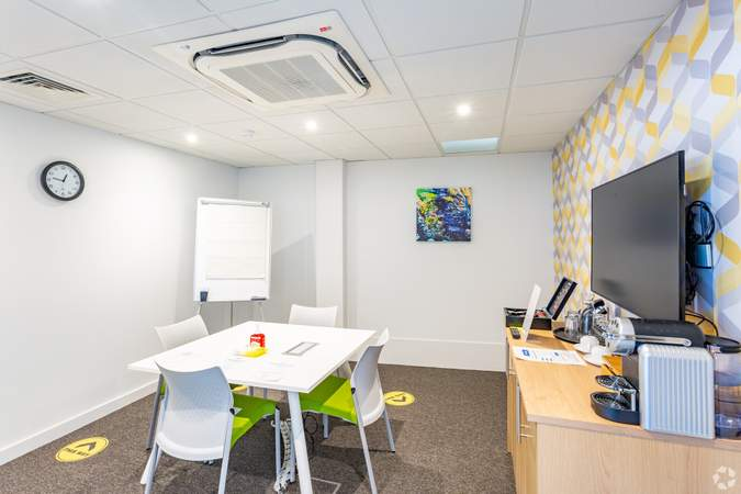 Meeting room - Conway House, Gloucester - Co-working space for rent - 50 to 17,516 sq ft
