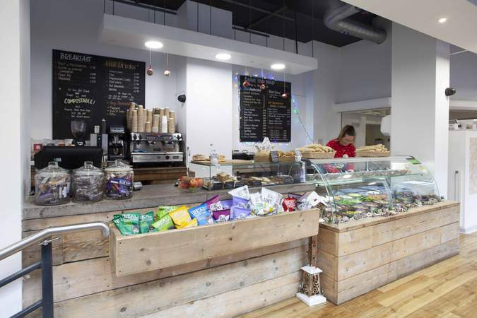 On site café - Whitefriars, Bristol - Office for rent - 1,351 to 3,172 sq ft