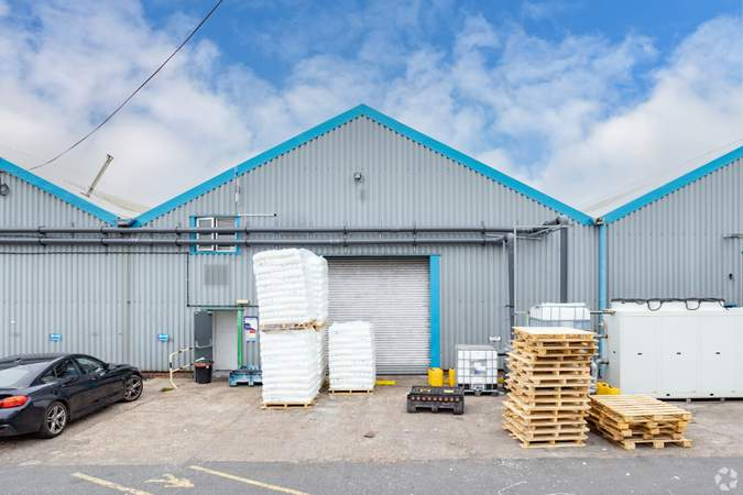 Unit 6 - Stafford Court, Units 1-11, Wolverhampton - Industrial unit for rent - 5,000 to 7,600 sq ft