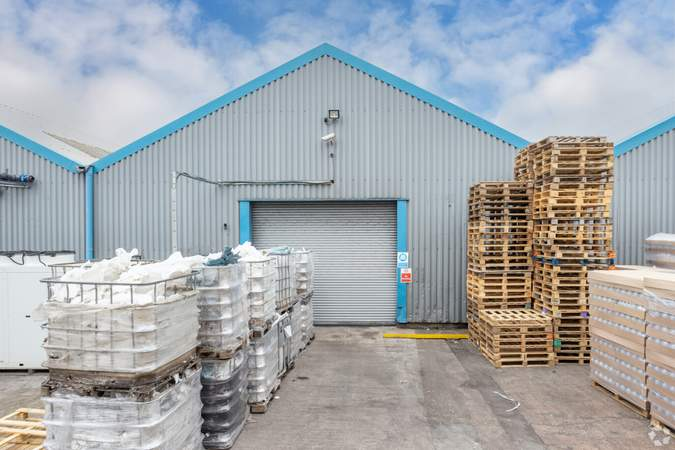 Unit 5 - Stafford Court, Units 1-11, Wolverhampton - Industrial unit for rent - 5,000 to 7,600 sq ft