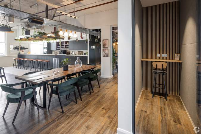2nd Floor Kitchen - Broad Street Mall / Quadrant House, Broad Street Mall, Reading - Co-working space for rent - 291 to 5,194 sq ft