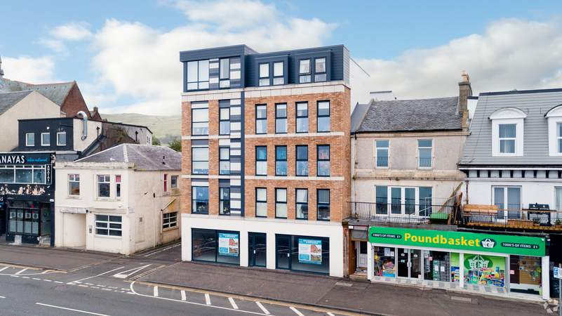 Primary Photo - 80 Gallowgate St, Largs - Shop for rent - 1,271 to 1,412 sq ft