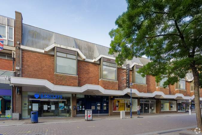 Primary Photo - 74-76A New Rd, Gravesend - Shop for rent - 35,456 sq ft