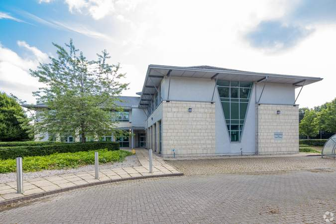 Building Photo - Bermuda House, Castle Business Park, Stirling - Office for rent - 10,000 to 20,496 sq ft