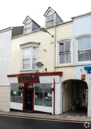Primary photo of 4 Wendron St, Helston