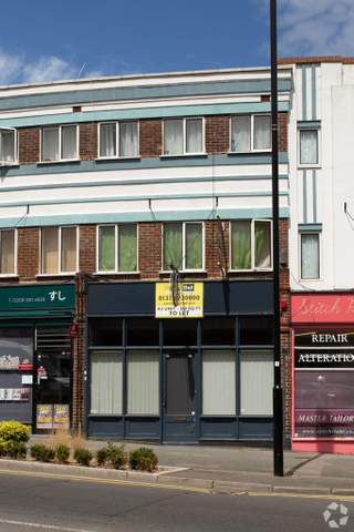 Primary photo of 4 Central Rd, Worcester Park