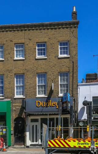 Primary photo of 60 High St, Barnet