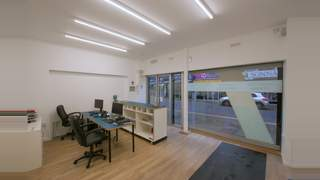 Newly Refurbished Retail Unit picture No. 2