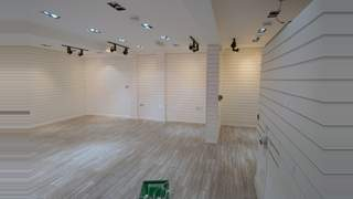 Retail/Showroom Premises picture No. 8