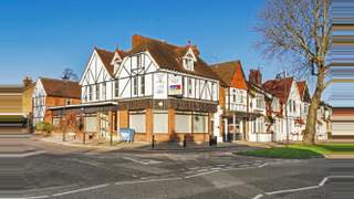 Primary Photo of 4 Chase Side, Enfield, Greater London, EN2 6NF
