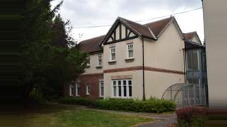 Primary Photo of 17 London Road, Oadby, Leicester LE2 5DL