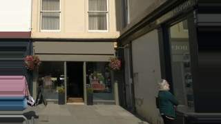 Primary Photo of DOUBLE FRONTED RETAIL UNIT - 40-41 The Square, Kelso, TD5 7HL