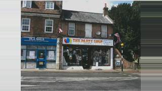 Primary Photo of 48 High St, Chalfont St Peter, Gerrards Cross SL9 9RA