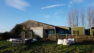 Commercial property to rent in Buckinghamshire - Realla