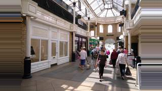 Primary Photo of Unit 2, Bishop's Walk Shopping Centre, Cirencester, GL7 1JH