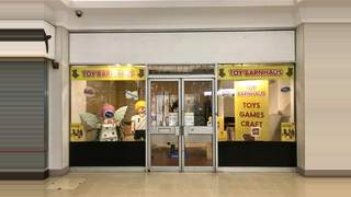 Primary Photo of Unit 26 Guildbourne Shopping Centre Worthing BN11