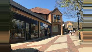 Primary Photo of Unit 32, Vicarage Walk Quedam Shopping Centre, Ivel Square, Yeovil, BA20 1EY