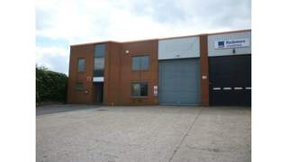 Primary Photo of Warehouse In Prominent Location, Unit 11 Mundells Industrial Estate, Welwyn Garden City