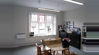 Primary Photo of First Floor, 12 Castle Street, Cirencester, GL7 1QA