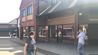 Primary Photo of Unit 12, Vicarage Walk Quedam Shopping Centre, Ivel Square, Yeovil, BA20 1EY