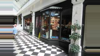 Primary Photo of 3 East Street Arcade, East Street, Brighton, East Sussex, BN1 1HR