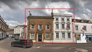 Primary Photo of 18/19 Market Square, Buckingham, Buckinghamshire, MK18 1NP