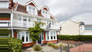 Primary Photo of Beaches Guest House, 192 Eastern Esplanade, Thorpe Bay, Southend-on-Sea, SS1 3AA