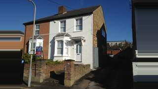 Primary Photo of 39 Queens Road, High Wycombe, Bucks, HP13 6AQ