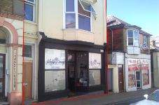 Primary Photo of 120 High St, Wootton Bridge, Ryde, Isle of Wight PO33 4LZ