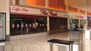Primary Photo of Unit 21-23, Mercat Shopping Centre, Kirkcaldy, KY1 1NJ