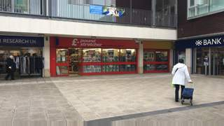 Primary Photo of Unit 14 Newkirkgate Shopping Centre, Leith, Edinburgh, EH6 6AD