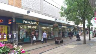 Primary Photo of 21/27 South Walk Yate Shopping Centre, 43 North Walk, Yate, BS37 4AP
