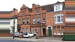 Primary Photo of 14 Sansome Walk, Worcester, Worcestershire WR1