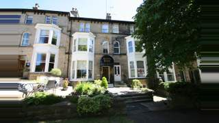 Primary Photo of King's Road, Harrogate HG1