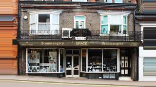 Primary Photo of 68 High St, Tring, Hertfordshire HP23 4AG
