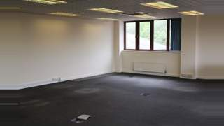 Primary Photo of 3 Richfield Place, First Floor, 12 Richfield Avenue, Reading, Berkshire, RG1 8EQ