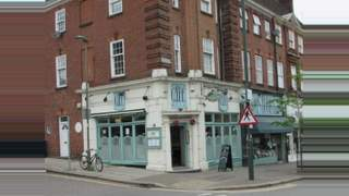 Primary Photo of Finchley Road, Temple Fortune, Beds., NW11 OAB