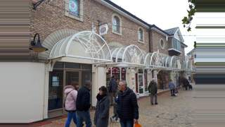 Primary Photo of 17 George Yard Shopping Centre, Braintree, CM7 1RB