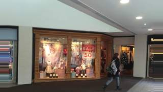 Primary Photo of Unit 15, Bon Accord Shopping Centre, Aberdeen, AB25 1HZ