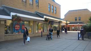 Primary Photo of Unit 3-5, Princes of Wales Shopping Centre, Dewsbury