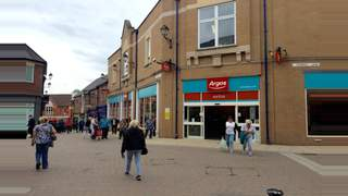 Primary Photo of 4 Vicar Lane Shopping Centre, 4 Vicar Lane Shopping Centre, Chesterfield, S40 1PY