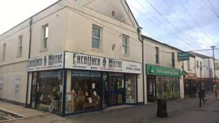 Primary Photo of 121 Montague Street, Worthing, West Sussex, BN11 3BP