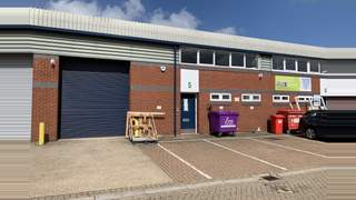 Primary Photo of Unit 5 Vale Industrial Estate, Southern Road, Aylesbury, HP19 9EW