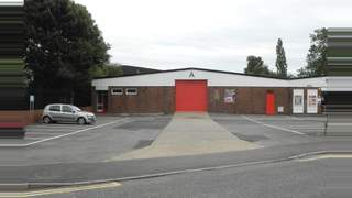 Primary Photo of Unit A Chiltern Trading Estate, Grovebury Road, Leighton Buzzard, Bedfordshire, LU7