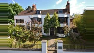 Primary Photo of 79A Grapes House, Esher, Surrey