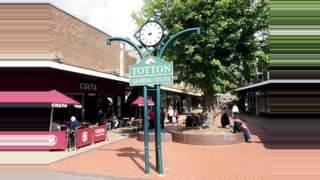 Primary Photo of Unit 13, Totton Shopping Centre, Commercial Road, Totton, Southampton, Hampshire, SO40 3BX